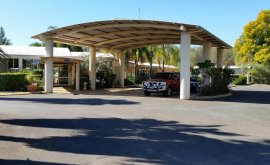 Large covered reception parking area outside of Mulga Country Motor Inn
