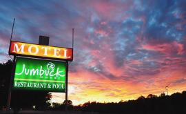 Sunset at Jumbuck Motel
