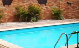 Pool area at Jumbuck Motel
