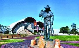 Famous Stockman's statue