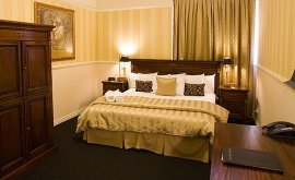 RedEarth Hotel Mt Isa bedroom