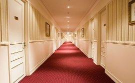 RedEarth Hotel Mt Isa hallway
